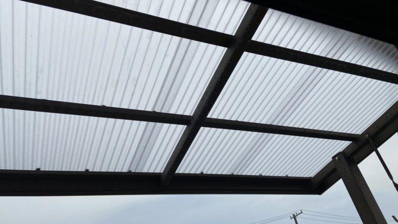 【倉敷市児島のでんき屋さん】波板屋根の張替え